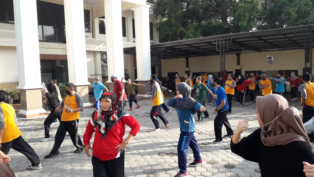 Senam Pagi Warga Pengadilan Agama Surabaya