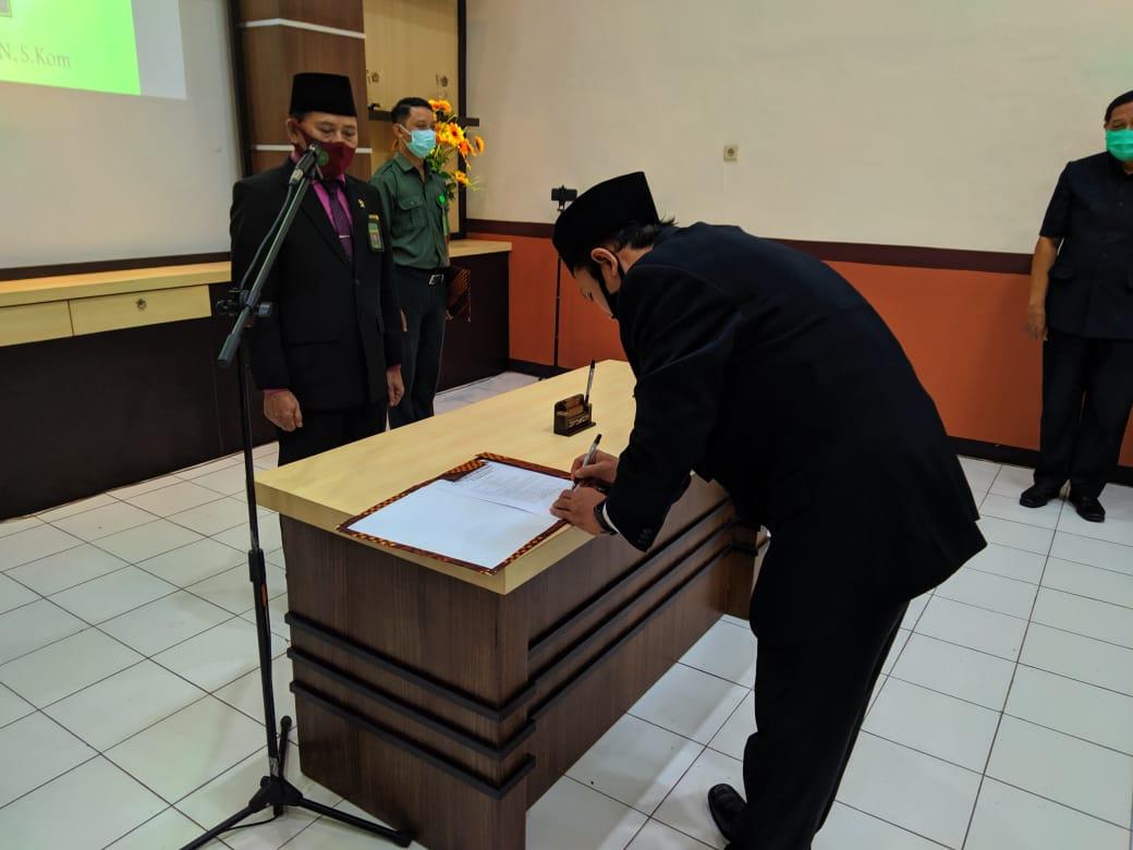 Pengambilan Sumpah Jabatan Dan Pelantikan Kasubag Umum dan Keuangan PA Surabaya