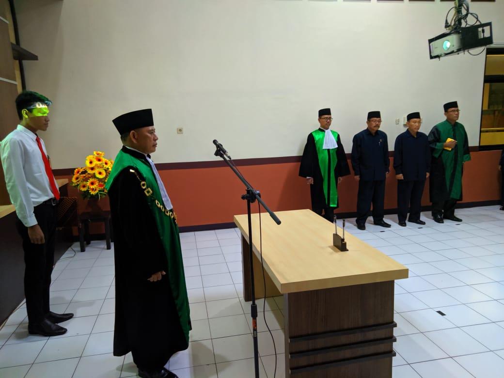 Pengambilan Sumpah Jabatan Dan Pelantikan Wakil Ketua Pengadilan Agama Surabaya