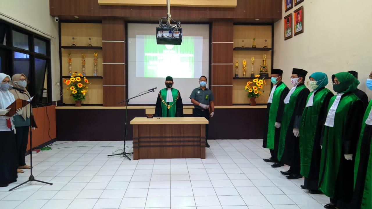 Pelantikan Wakil Ketua beserta Hakim Baru Pengadilan Agama Surabaya